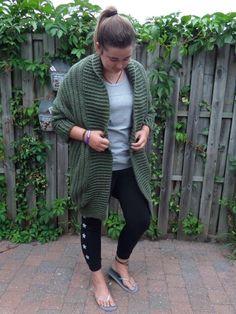 Crochet Coat, Crochet Clothes, Shrug Cardigan, Learn To Crochet, Knitting, Sweaters, Wordpress, Diy, Fashion