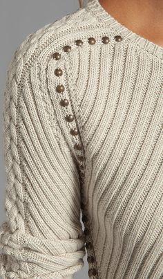 Compra Autumn Cashmere Studded Rib Cable Crew Sweater en Hemp en REVOLVE. Envío y devoluciones de 2-3 días gratis y 30 días de garantía de igualación de precio.