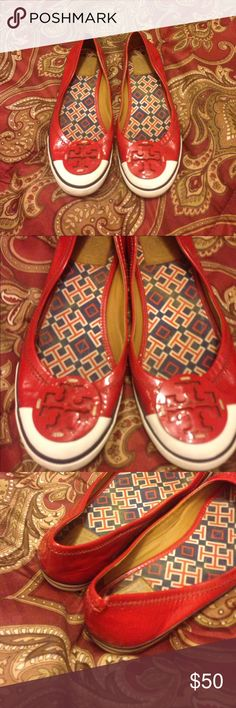 ❣️❣️❣️❣️ADORABLE TORY BURCH SNEAKERS❣️❣️❣️❣️❣️ ❤️❤️❤️Absolutely great condition except one little flaw..it's a little rip on the back heel..not really noticeable❤️❤️❣️❣️❣️❤️❣️❣️❤️ Tory Burch Shoes Sneakers