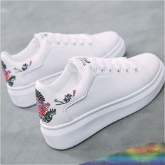 Women sneakers on the platform Embroider white designer sneakers for women heigh. Women sneakers on the platform Embroider white designer sneakers for women heigh. Hype Shoes, Women's Shoes, Shoes Sneakers, Platform Shoes, Fall Shoes, White Platform Sneakers, Jeans Shoes, Sneakers Adidas, Spring Shoes