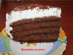 Tort din albusuri cu nuca - Bucataria cu noroc
