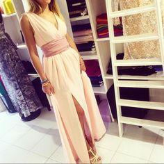 Ragazze tutti gli abiti che vedete possono essere realizzati in tante stoffe, infiniti colori e combinazioni! Questo è sempre il Modello Margot Viola by Pullover style! Per info scrivetemi baci #violabypullover #dress #Margot #sumisura  #madeinitaly #Cagliari #Milano #bridesmaid #longdress #weddingdress #fashion #style #styles #stylish #stylist #girls #glamour #love #beautiful #ootd #outfit #igfashion #instastyle #instafashion #picoftheday #photooftheday #tagsforlikes