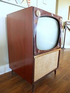 Vintage CONSOLE TV SET // Mid Century Modern Television Big Wooden Furniture Cabinet Made by Emerson in 1956 Retro Atomic Style on Legs