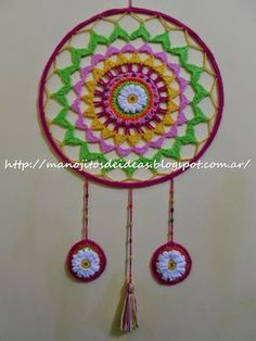 MANOJITOS DE IDEAS: MÁNDALA MARGARITA Graph Crochet, Crochet Art, Filet Crochet, Cute Crochet, How To Make Dreamcatchers, Crochet Patterns For Beginners, Knitting Patterns, Making Dream Catchers, Dream Catcher Mandala