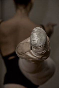 EMPHASIS/ DOMINANCE: The focus brought to her toe emphasizes the difficult posture of the ballerina.