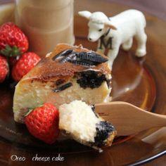 ベイクドチーズケーキ?ニューヨークチーズケーキにする?もしくはスフレでふんわり?レアチーズでしっとりとも捨てがたい!!種類が豊富で色々なフルーツやお野菜とも相性抜群な絶品チーズケーキレシピをまとめました!これは保存版ですよ!