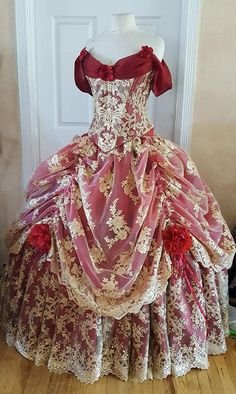 Couture Corset Elaborate Belle Beauty and the Beast inspired gown! Victorian Gown, Victorian Fashion, Vintage Fashion, New Fashion Gown, Vintage Gowns, Vintage Outfits, Couture, Vestido Charro, Belle Beauty And The Beast