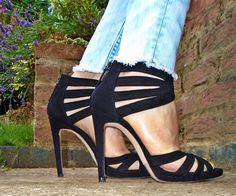 Zara suede high heel sandals Used once! Zara Heels, Shoes Heels, High Sandals, Strappy Sandals, Sexy High Heels, Zara Black, Fashion Tips, Fashion Design, Fashion Trends