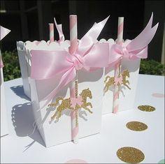 Souvenirs con bolsita para baby shower carrusel - http://manualidadesparababyshower.net/souvenirs-con-bolsita-para-baby-shower-carrusel/