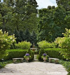 Garden in St. Louis image via Traditional Home