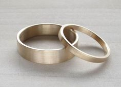 Eco-friendly Wedding Band Set  recycled 14k yellow von AideMemoire