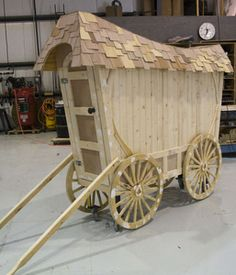 Designing and creating sets and props by Barter Theatre for Wizard of Oz included the construction of Professor Marvel's Wagon.
