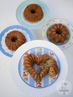 Mini Bundt Cakes de calabacín, dátiles y pecanas | I love bundt cakes
