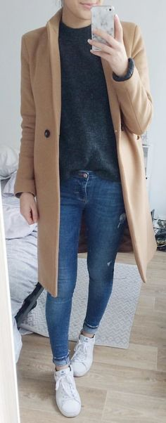 #winter #outfits  brown coat. Pic by @margaux_lilia.