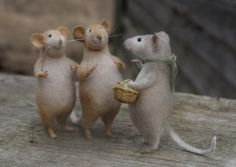 Natasha Fadeeva - Newest Work: Photo Needle Felted Animals, Felt Animals, Needle Felting, Wool Felting, Animals Information, Fuzzy Felt, Felt Mouse, House Mouse, Illustrations