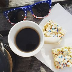 Vandaag hebben wij iets te vieren Amerika is jaarig!  Geniet van jouw 4 juli.  #happybirthdayamerica #fourthofjuly #timetocelebrate #amerikaisjaarig #gefeliciteerd # #teamcaffeine