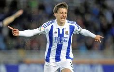 We take a look at young starlet Mikel Oyarzabal who has impressively risen up the ranks at Real Sociedad and is surely destined for greatness. Soccer Shirts, Granada, Premier League, Derby, Barcelona, Tops, Portal, Blog, Fashion