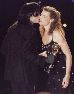 Поцелуи и объятья - Страница 2 - Майкл Джексон - Форум