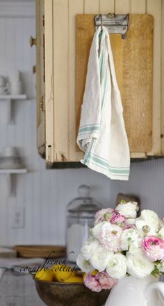 FRENCH COUNTRY COTTAGE: Vintage Towel Holder - Farmhouse Cottage Home Decor