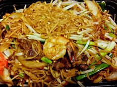 Cambodian food recipe dishes, Mee Cha or Kuy Tiev Cha, Pad Thai