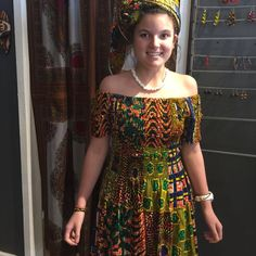 showing off her African attire elegance . African Attire, African Wear, African Fashion, Ethnic Print, Printed Skirts, Ankara, Short Dresses, How To Make, How To Wear
