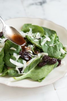 How to Make Balsamic Dressing - Essential Balsamic Vinaigrette Recipe from www.inspiredtaste.net #salad #recipe