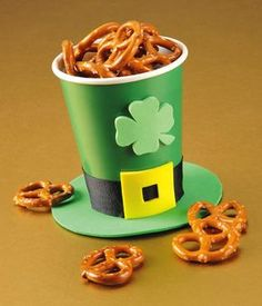 Have you kids help you create these St. Patrick Day Favors for the special day!