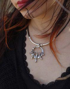 collar luna, collar roca de luna,collar bruja, collar boho, collar vikingo, collar etnico, collar cuero, collar hippie, collar amuleto