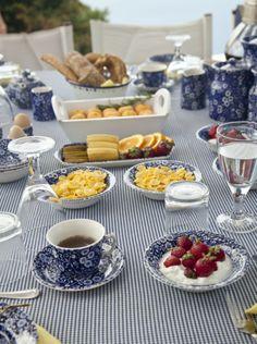 Elegant blue villas! breakfast at Santorini