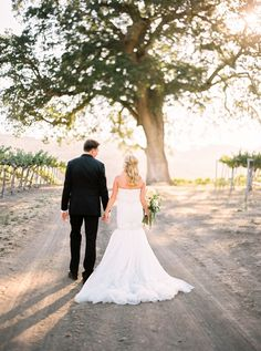 Amanda Landon Weddings - Intimate California Wedding at Hammersky Vineyards via Magnolia Rouge