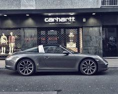 Porsche Targa 911 in front of carhartt WIP
