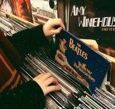 Imagem de music, the beatles, and vintage Music Aesthetic, Aesthetic Vintage, Aesthetic Grunge, Photocollage, Old Soul, Aesthetic Pictures, Aesthetic Wallpapers, The Beatles, Retro Vintage