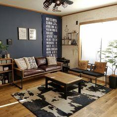 Home decor apartment Small Apartment Decorating, Apartment Interior Design, Living Room Interior, Manly Living Room, Masculine Living Rooms, Masculine Apartment, Masculine Interior, Masculine Home Decor, Men Apartment
