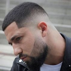 It's not very often you get told your hair looks great so considering it's the start of a new year let's make 2019 awesome starting with the fade cut that's fresh and low ma… Best Fade Haircuts, Short Fade Haircut, Crop Haircut, Tapered Haircut, Hairstyles Haircuts, Haircuts For Men, Short Hair Cuts, Latest Hairstyles, Short Hair And Beard