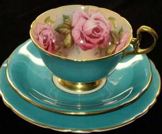 Such a beautiful teal tea cup & saucer with the cup lined with pink roses. (These remind me of my grandmother, she had a beautiful collection of bone china cups with saucers. Vintage Dishes, Vintage China, Vintage Teacups, Antique China, China Tea Cups, Teal Tea Cups, Teapots And Cups, My Cup Of Tea, Chocolate Pots