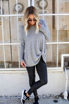 10 more sporty outfits winter womens fashion * * sportliche outfits winter damenmode Casual Outfits, Cute Outfits, Fashion Outfits, Gym Outfits, Fashion Trends, Black Outfits, Fall Fashion, Womens Fashion, Leggins Casual