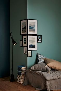 your corners take centre stage A patchwork of different-size frames with themed motifs round a corner creates a unique and strong expression.A patchwork of different-size frames with themed motifs round a corner creates a unique and strong expression. Living Room Decor, Bedroom Decor, Living Rooms, Ikea Bedroom, Green Living Room Walls, Green Walls, Bedroom Furniture, Living Room Corners, Bedroom Wall Designs