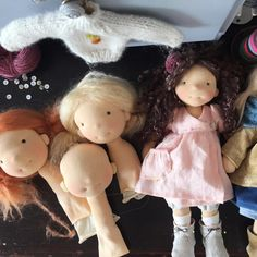 My first look when I come in my (messy) sewing room. The pink dress and pants will be made in my workshop sewing doll clothes at the European Waldorf Doll Seminar.