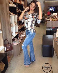 """41 Likes, 8 Comments - Bella Mulher (@bellamulhercalcados) on Instagram: """"Novidades!! A nova coleção de calças jeans da Bwana está um arraso!! Olhem essa flaire que…"""""""