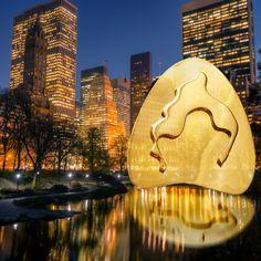 "Pendiente ""THE POND"" de Catalina D'Anglade. Cápsula inspirada en los lagos de Central Park de New York. Cata, Central Park, Collages, Pond, Clouds, Earrings, Travel, Lakes, Ear Rings"
