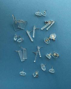 Flower Stud Earrings - floral earrings/ cluster earrings/ sparkly studs/ romantic earrings/ bridal jewelry/ gifts for her/ flower girl gift - Fine Jewelry Ideas Making Resin Jewellery, Resin Jewelry, Glass Jewelry, Jewelry Gifts, Jewelry Accessories, Jewelry Design, Bridal Earrings, Bridal Jewelry, Stud Earrings