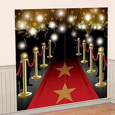 The Hollywood Scene Setters Kit features the look of walking down the red carpet with red rope railing and cameras flashing.