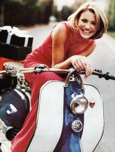 (notitle) - Clockwork that makes me tick - Motorrad Retro Scooter, Lambretta Scooter, Vespa Scooters, Cameron Diaz, Vespa Girl, Scooter Girl, Volkswagen, Bike Photography, Moto Bike