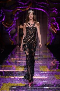 Look 25 - #AtelierVersace Fall/Winter 2015 show. #Versace