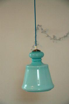 Lustre suspension ancien luminaire abat jour en verre opaline bleue... http://www.lanouvelleraffinerie.com/lustres-suspensions-vintage-seventis/711-vintage-lustre-suspension-ancien-luminaire-abat-jour-en-verre-opaline-bleue.html