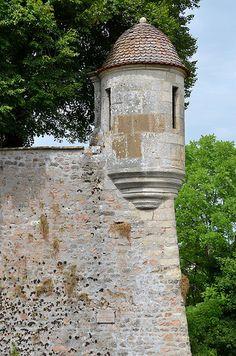 Avallon (Yonne) - Remparts - Echauguette . Bourgogne