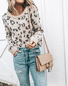 Ideas Style Inspiration Edgy Outfit Ideas For 2019 Leopard Sweater, Big Sweater, Edgy Outfits, Fall Outfits, Best Outfits, Grunge Outfits, Blusas Animal Print, Animal Prints, Hair Trends