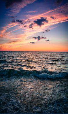 Serene sunset • photo: Ryan DiGregorio on Flickr