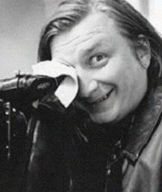 Aki Kaurismäki, with a rare smile. Alex Harvey, Director, Film Stills, Role Models, Filmmaking, Behind The Scenes, Movie Tv, Cinema, It Cast