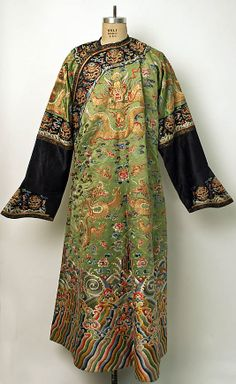 Robe, 19th century, Chinese, silk & metallic thread, Metropolitan Museum of Art